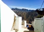 El Warung Cave Hostel, entrance and view on the valley